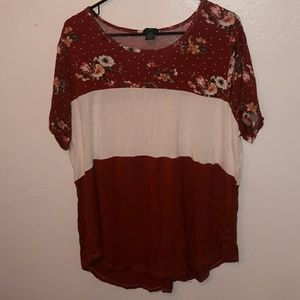 NWOT Rue21 3X Rust and White Colorblocked Tee